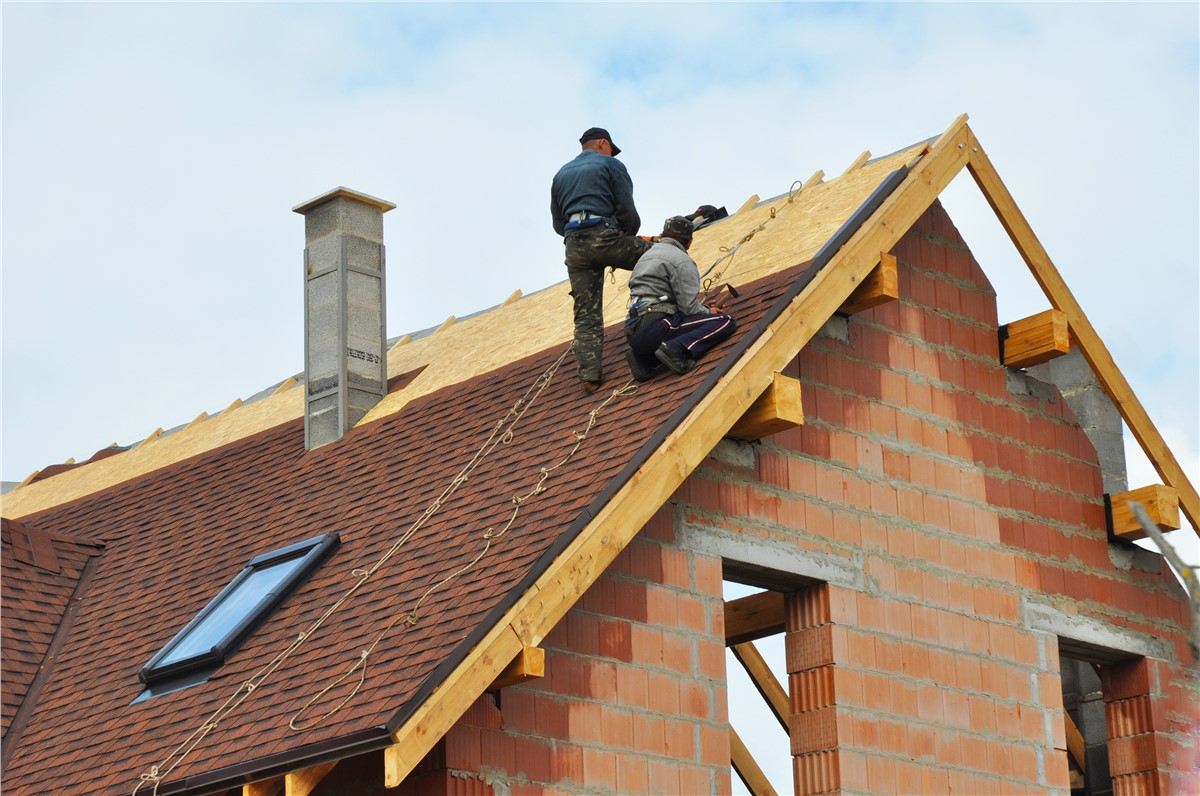 Tips for Comparing Residential Roofing Quotes
